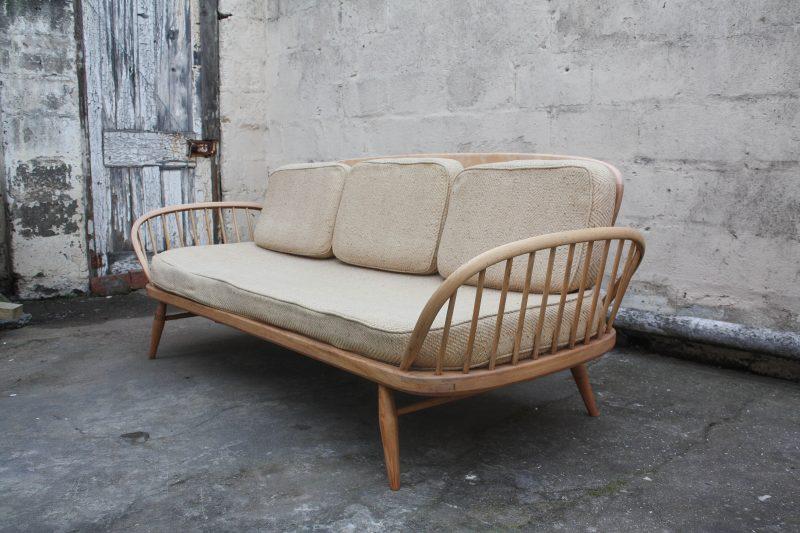 arched armrests